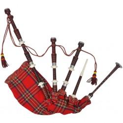Szkockie dudy z czerwonym, królewskim tartanem Steward