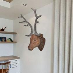 Głowa jelenia trofeum do zawieszenia na ścianę